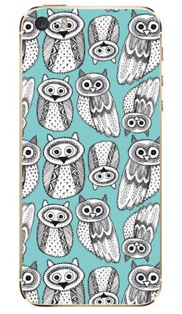Наклейка на iPhone 5S, 5SE - Черно-белые рисованые совы