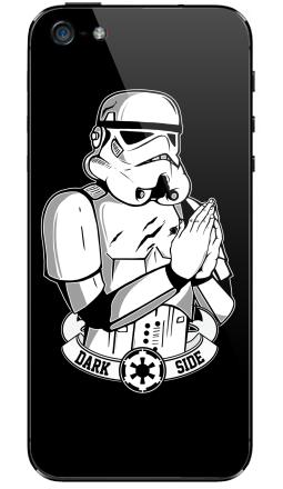 Наклейка на iPhone 5 - Молящийся Штурмовик