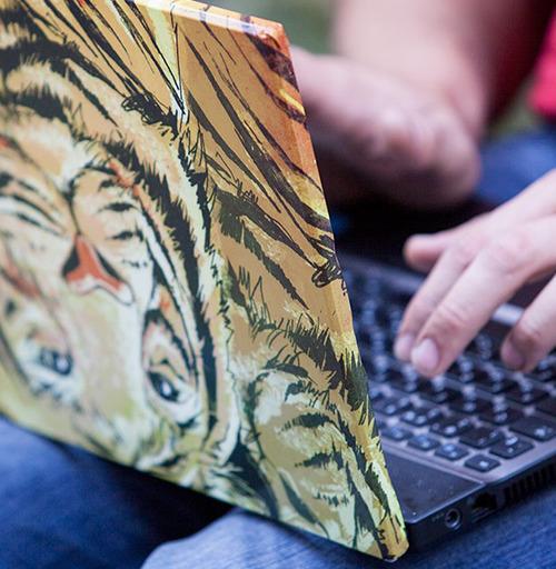 Наклейка на Ноутбук Ноутбук PC ноутбук Чупакабра,  купить в Москве – интернет-магазин Allskins, желтый, красный, апокалипсис, хэллоуин, маска, дракон, глаз, монстры, оранжевый